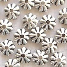 Silver Plated 7mm Flat Flower Beads - 20